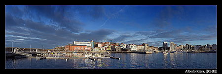 Puerto deportivo de Gijón.